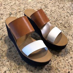 Chinese Laundry platform sandals!  👡